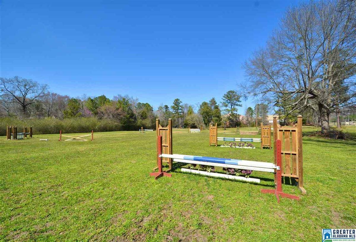 Fabulous 72 acre Equestrian farm luxury homes