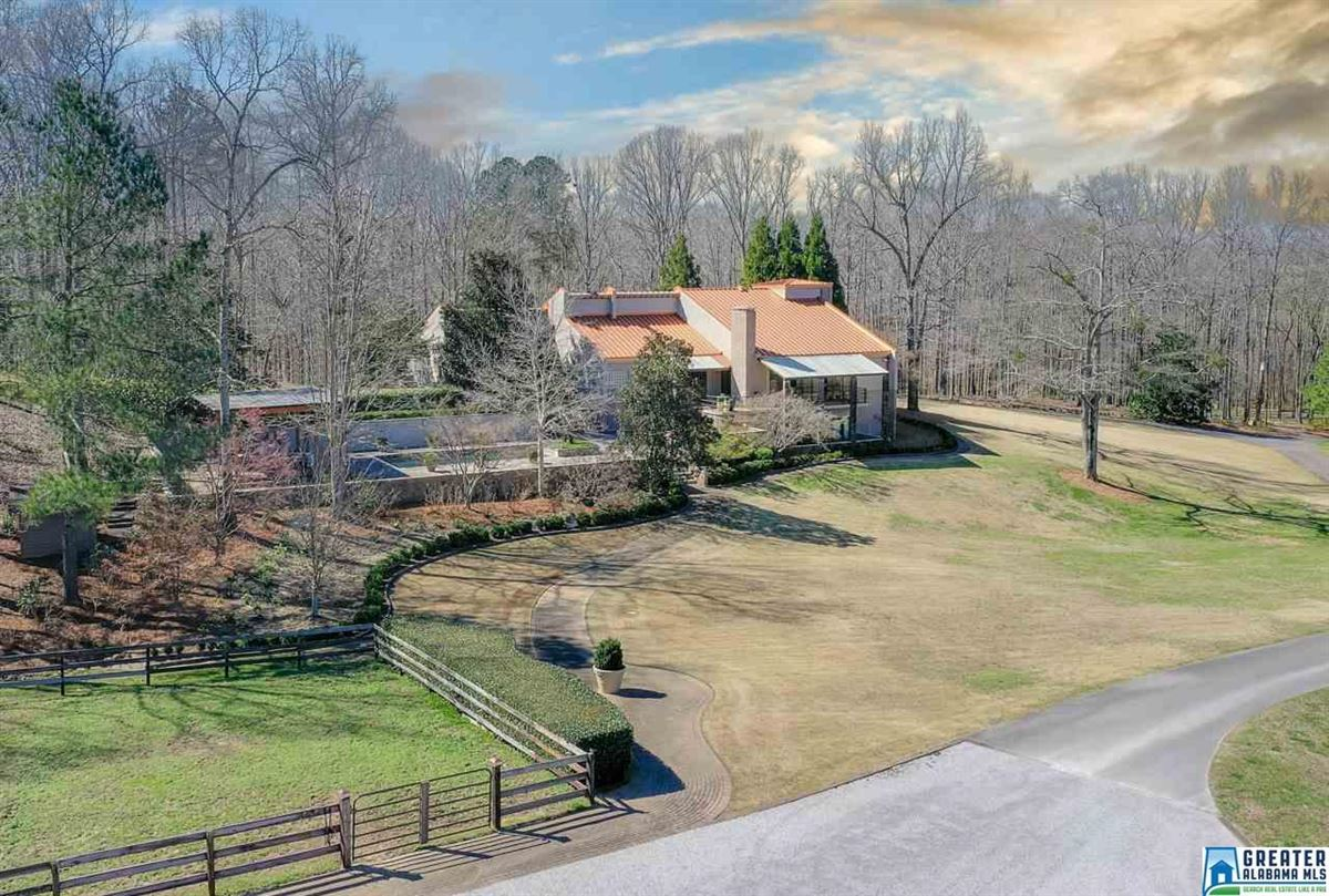 Luxury real estate LUXURY horse farm