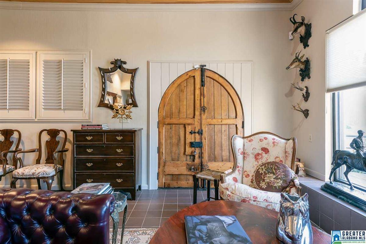 LUXURY horse farm mansions