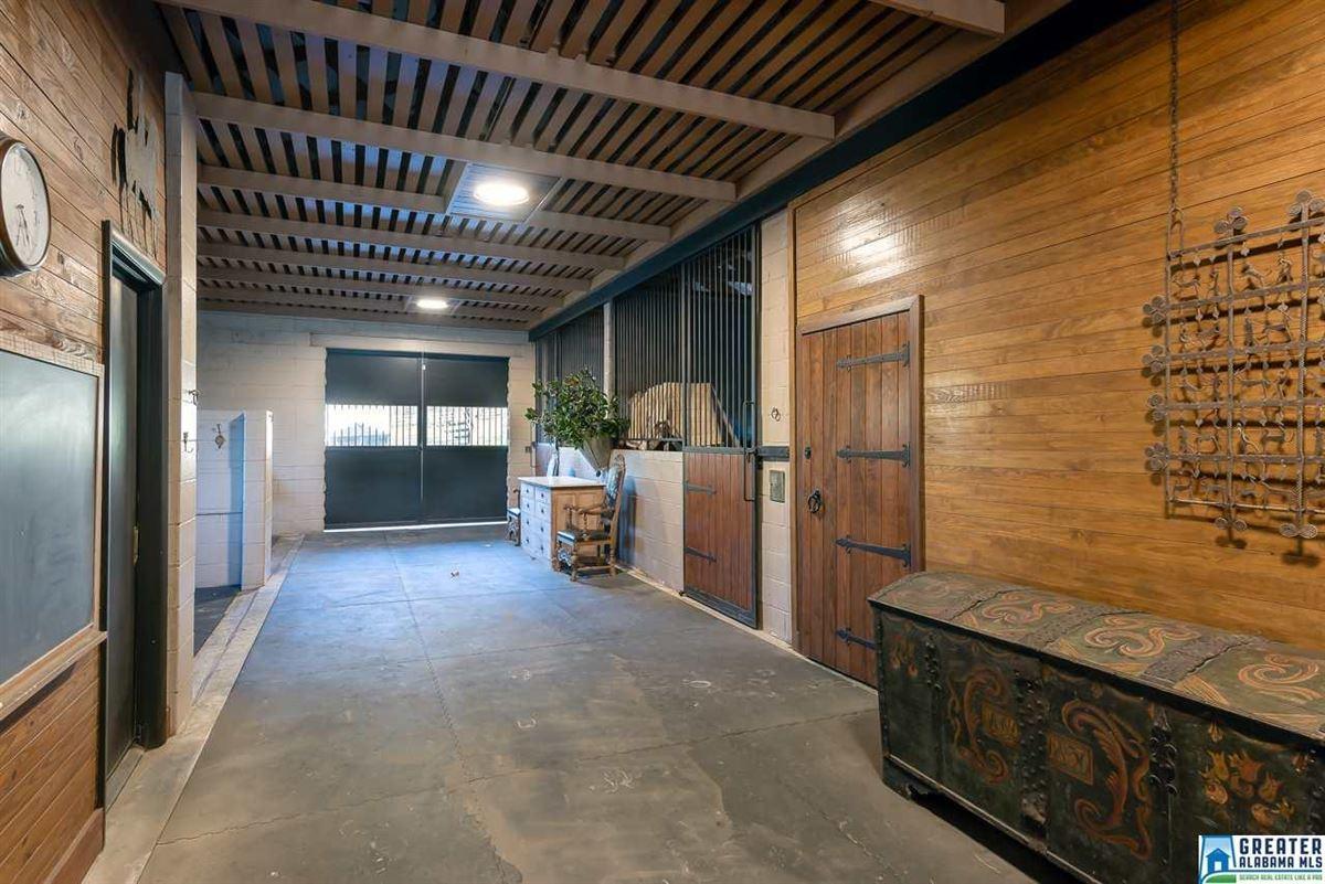 Luxury homes LUXURY horse farm