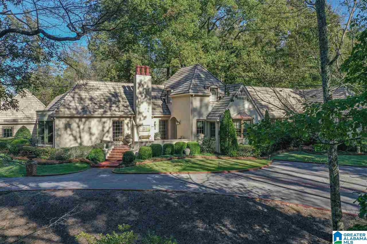 Old Mountain Brook appeal  luxury homes
