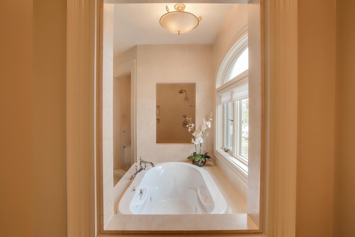 Luxury real estate Impressive Contemporary Home