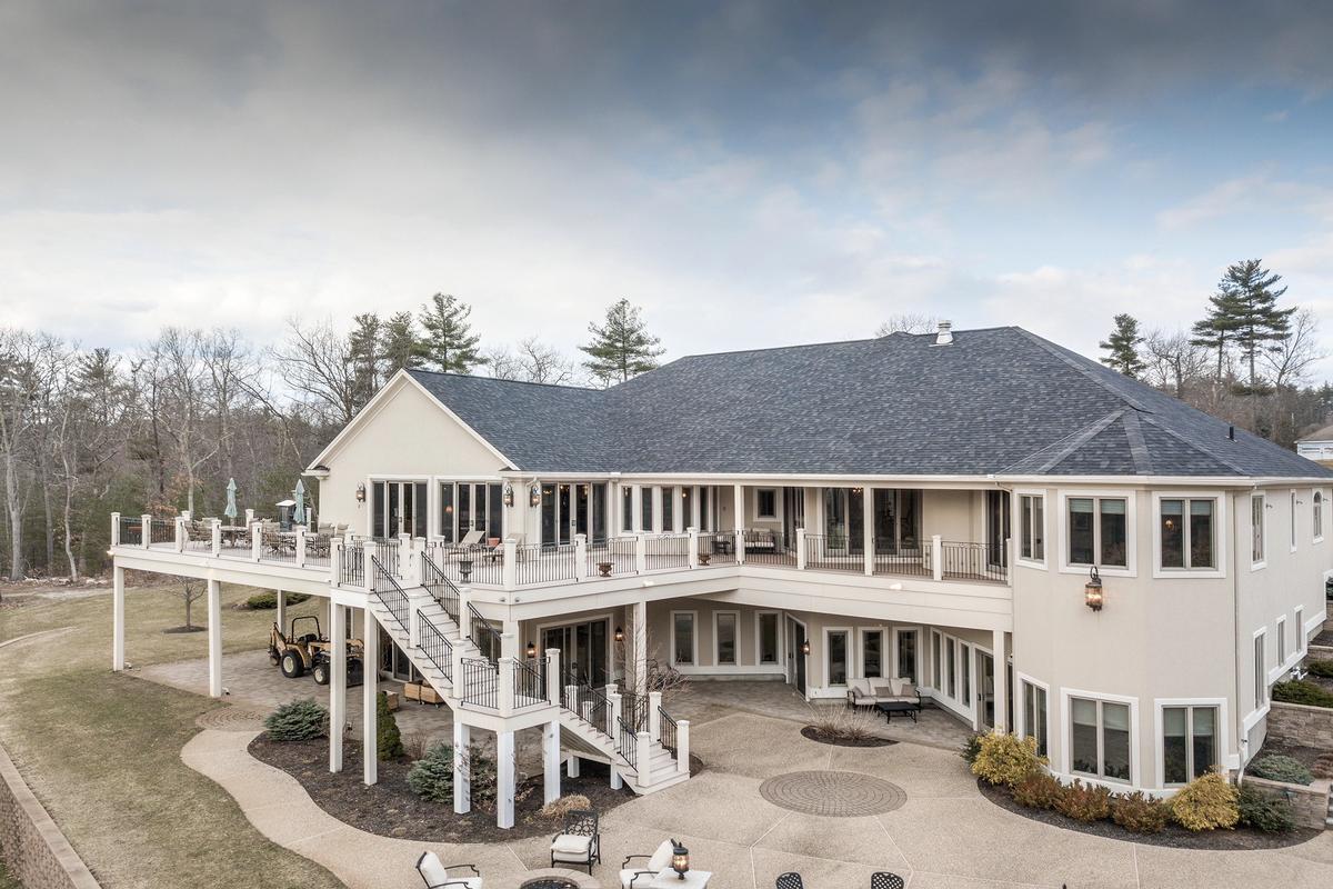 Luxury properties Impressive Contemporary Home