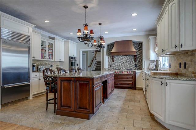 62 Heritage Hill luxury properties