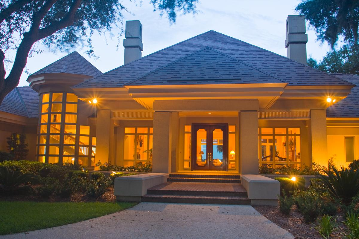 Luxury real estate tranquil waterfront location