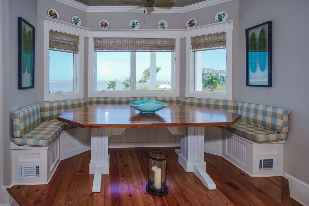 Luxury properties 522 Porpoise Drive