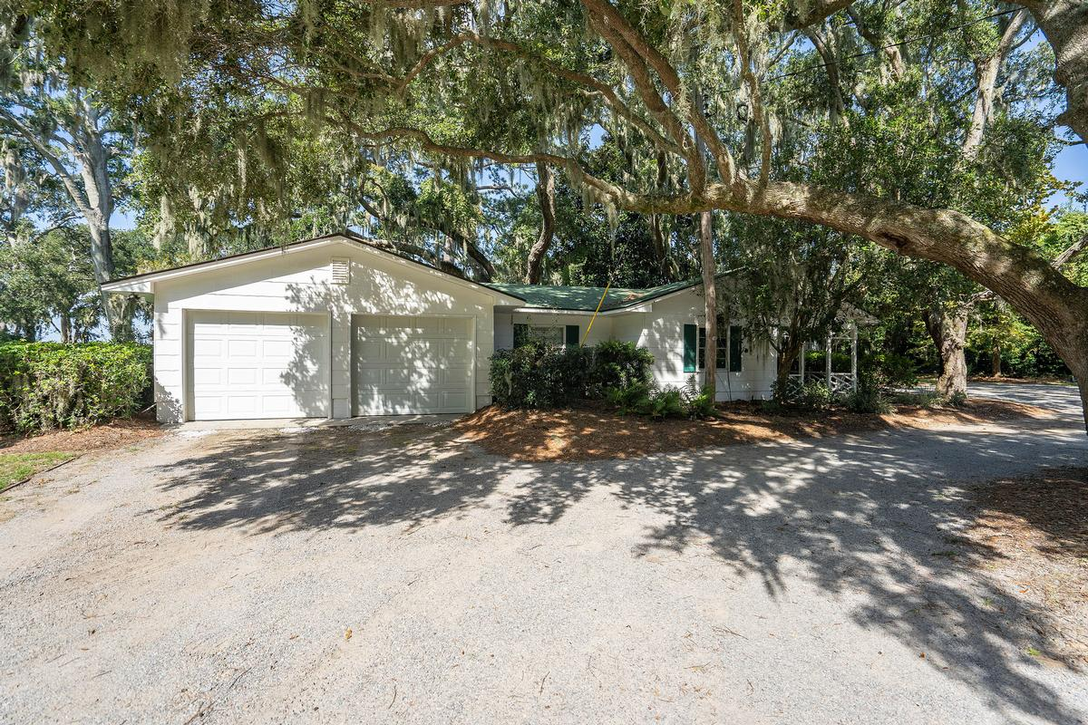 77 Fort Freemont Road luxury real estate
