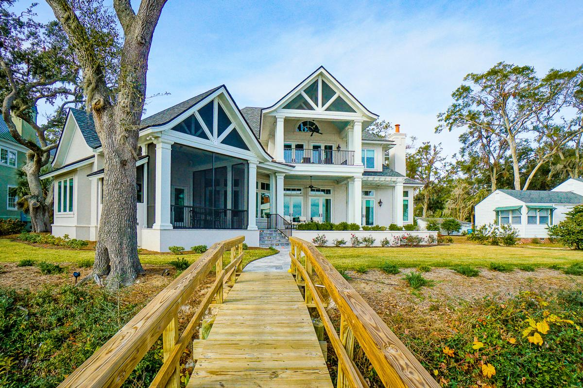 New Custom Home Overlooking Beaufort mansions