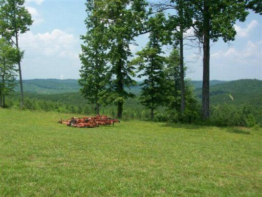 Luxury homes 381 acres in beautiful area