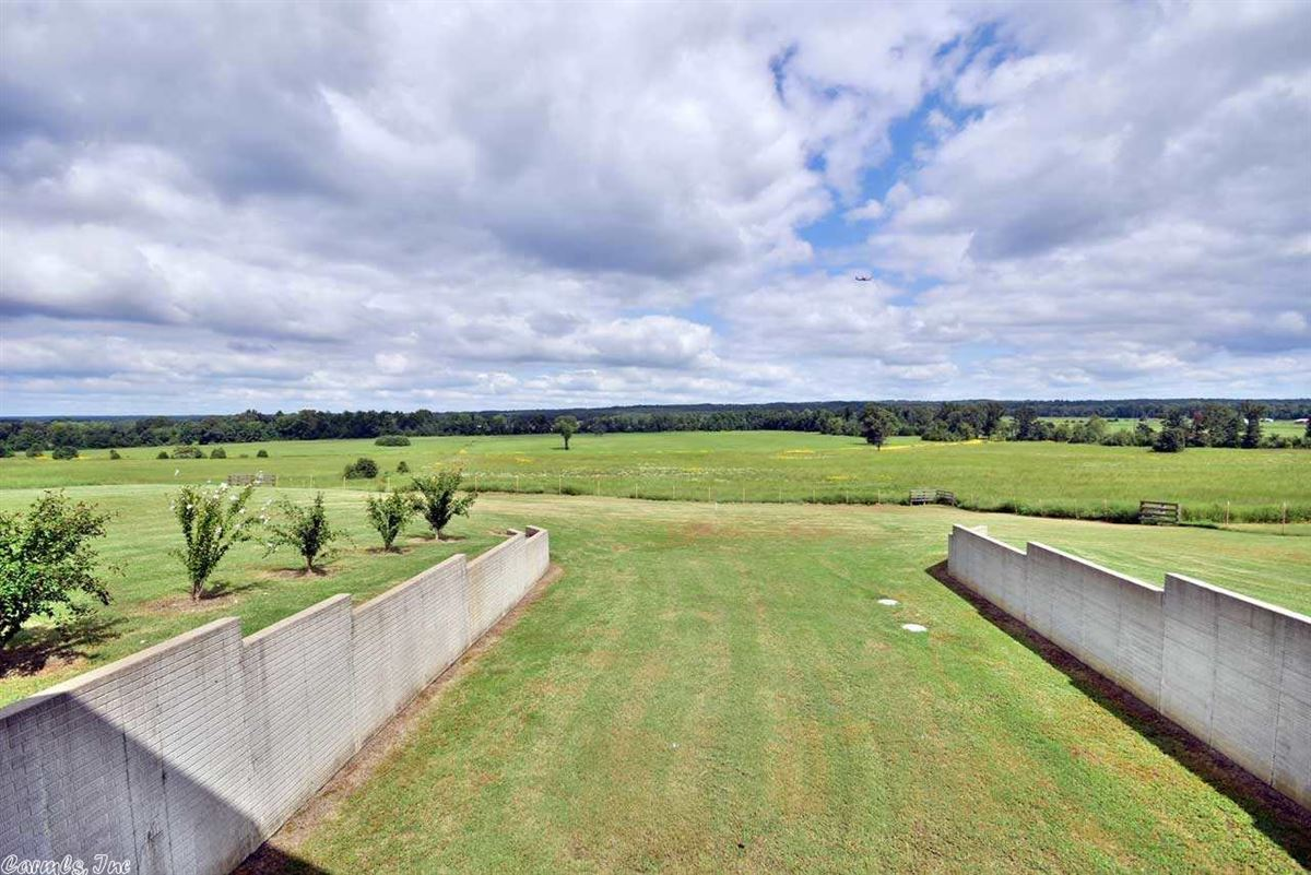 200 acres in White County luxury real estate