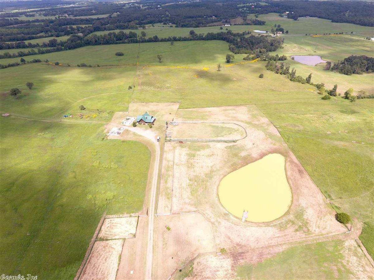 Luxury properties 200 acres in White County