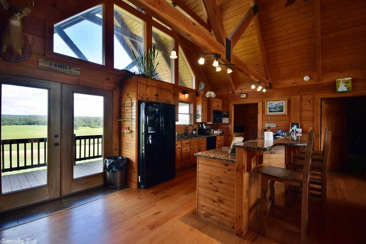 200 acres in White County luxury homes