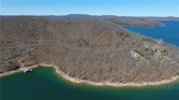 beautiful lakefront tract luxury real estate