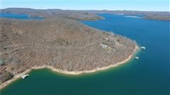 Luxury homes in beautiful lakefront tract