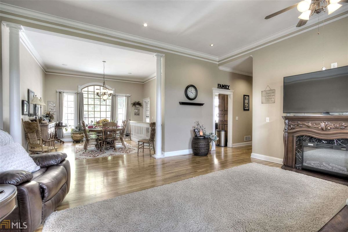 Luxury homes beautiful brick ranch on 28 private acres