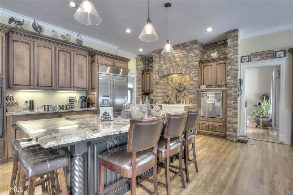 beautiful brick ranch on 28 private acres luxury real estate