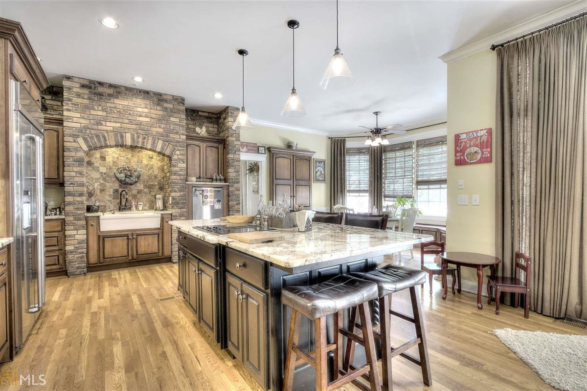 beautiful brick ranch on 28 private acres luxury properties
