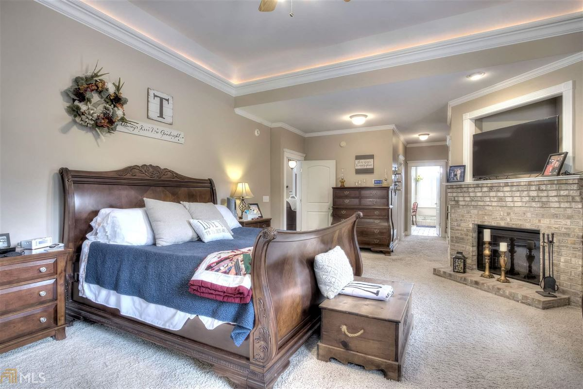 Mansions in beautiful brick ranch on 28 private acres