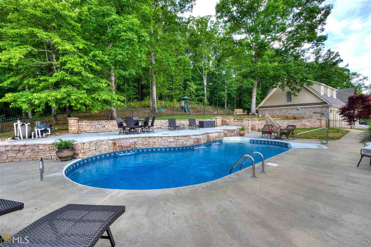 beautiful brick ranch on 28 private acres luxury homes