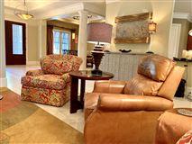 WONDERFUL OPEN FRIENDLY FLOOR PLAN luxury real estate