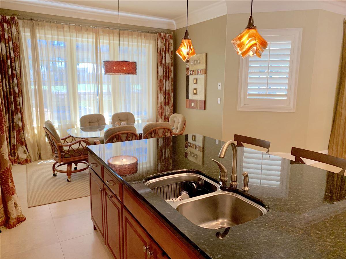 WONDERFUL OPEN FRIENDLY FLOOR PLAN luxury homes