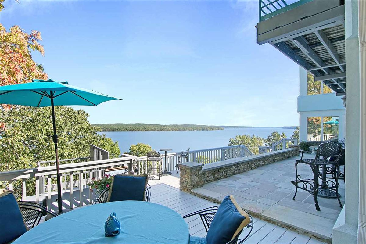 A wonderful waterfront home in counce luxury real estate