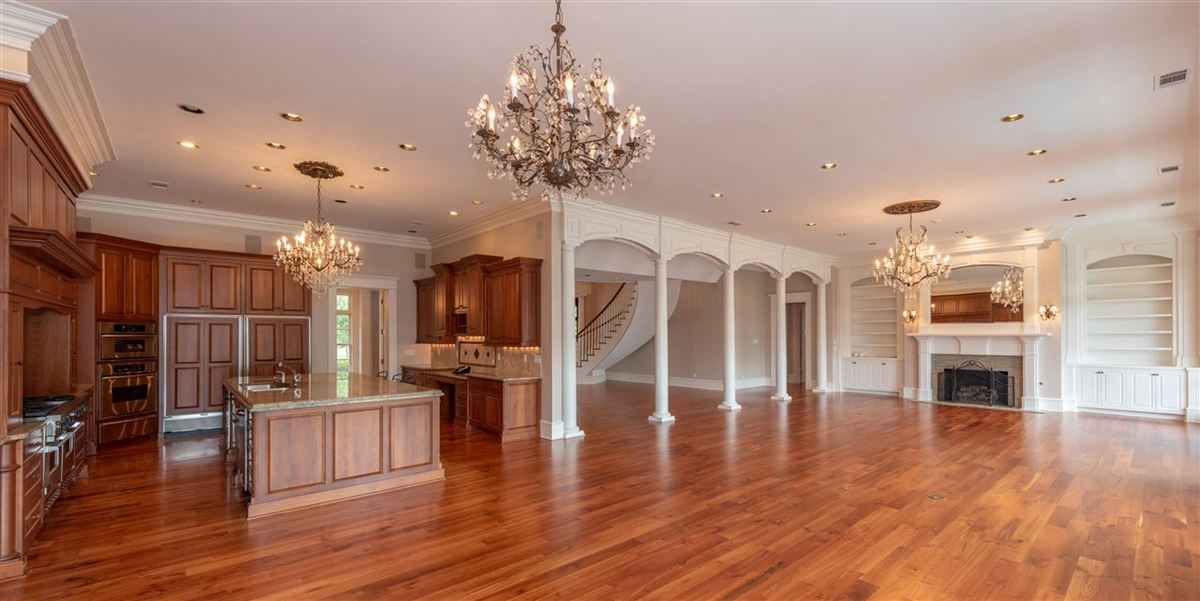 Luxury real estate Words can not describe this beautiful estate