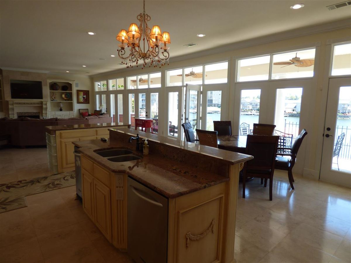 Luxury real estate exquisite custom waterfront home in hot springs
