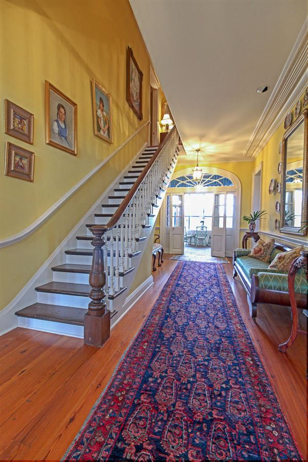 Luxury homes beautiful home on 116 acres