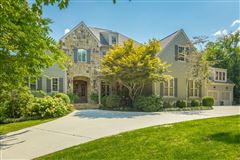 Mansions Stunning custom home in lookout mountain