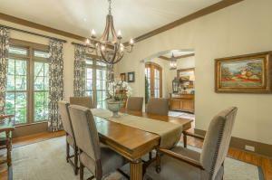 Luxury properties Stunning custom home in lookout mountain