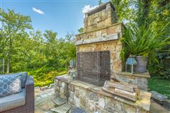 Stunning custom home in lookout mountain luxury homes