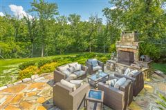 Luxury real estate Stunning custom home in lookout mountain