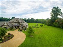 Luxury real estate Superb quality country home