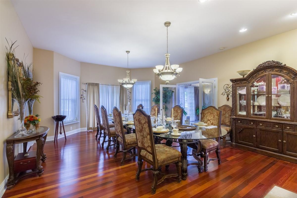 Unbelievable home in shelbyville luxury properties