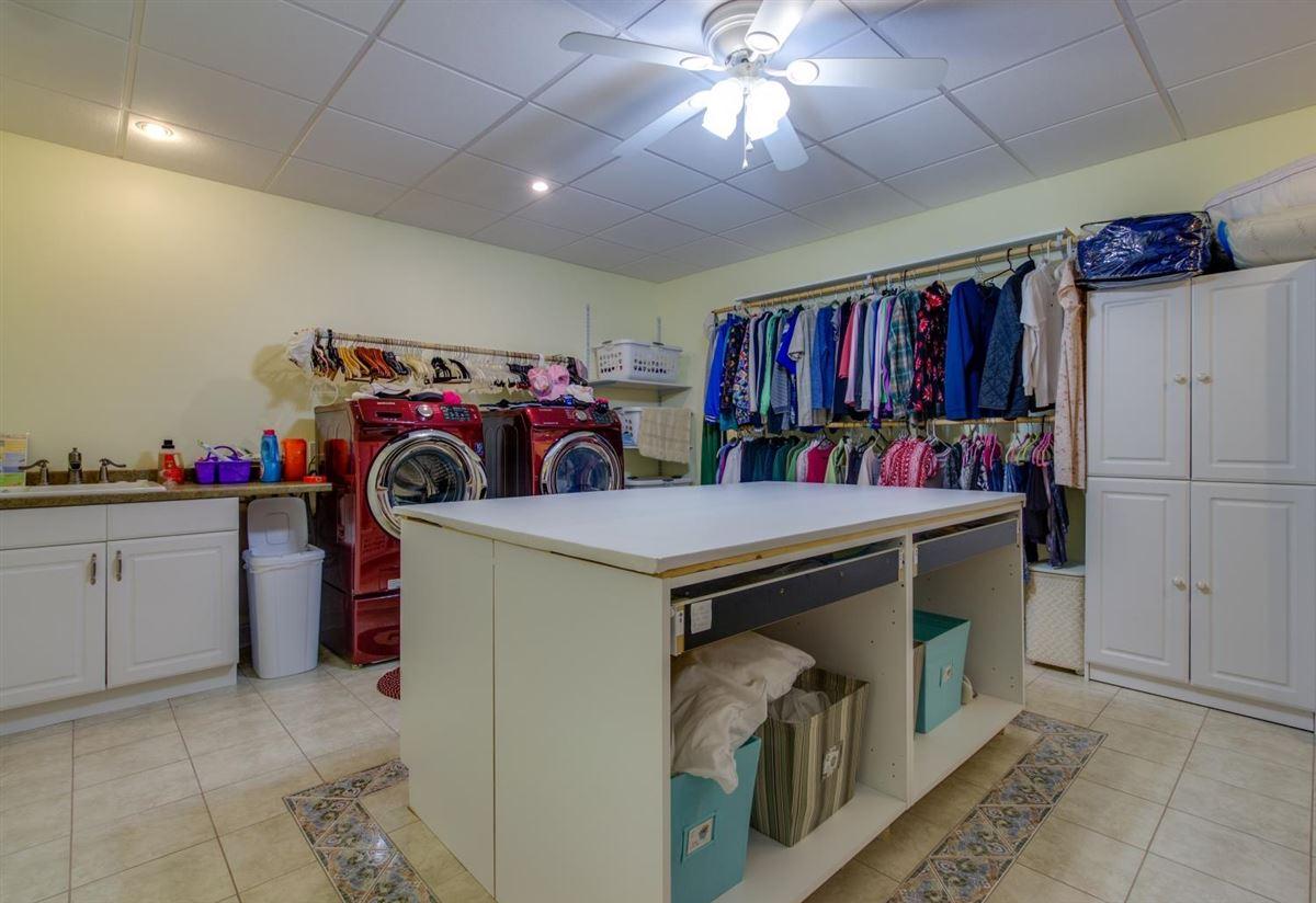 Luxury properties Unbelievable home in shelbyville