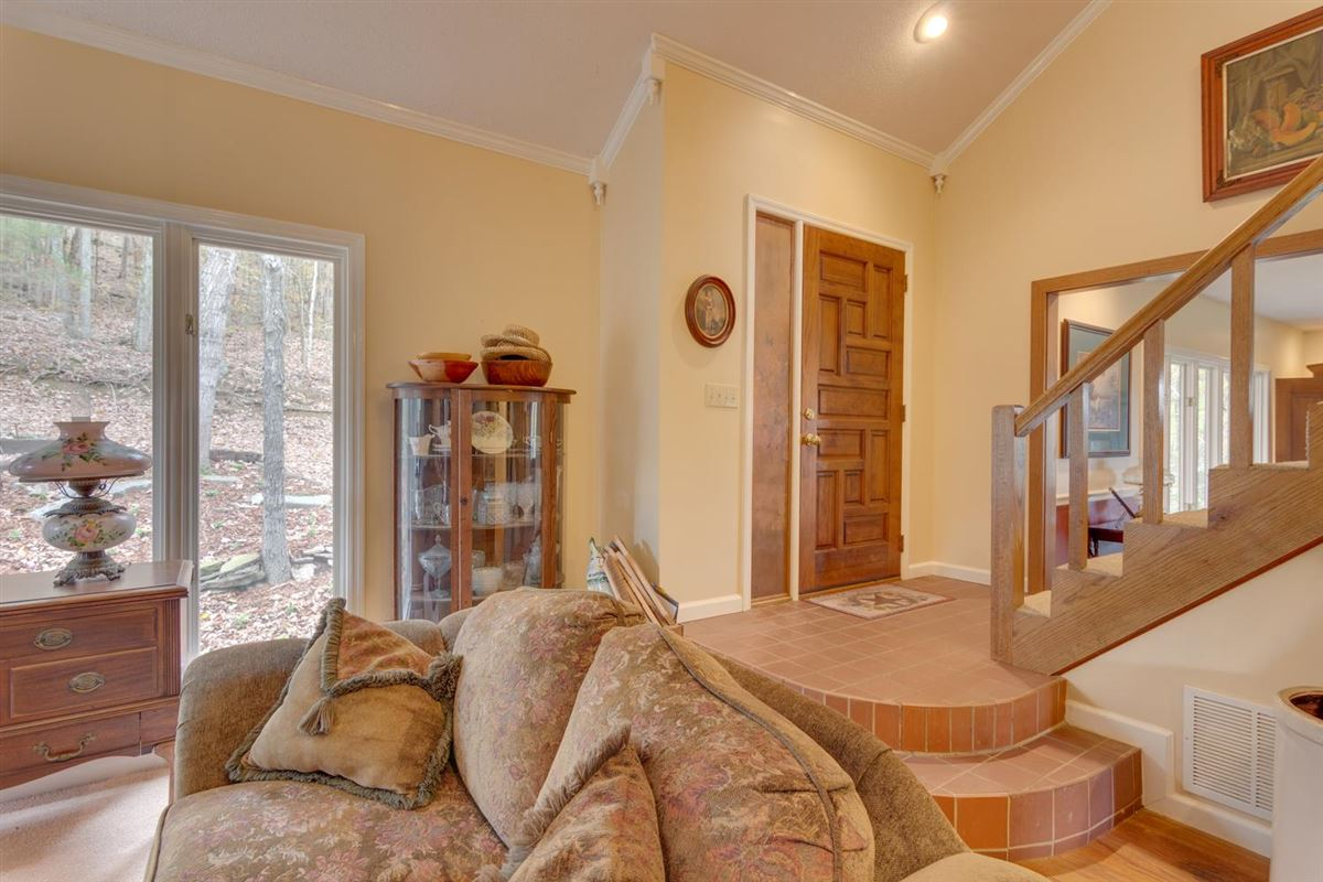 235 plus acre farm in picturesque setting luxury homes