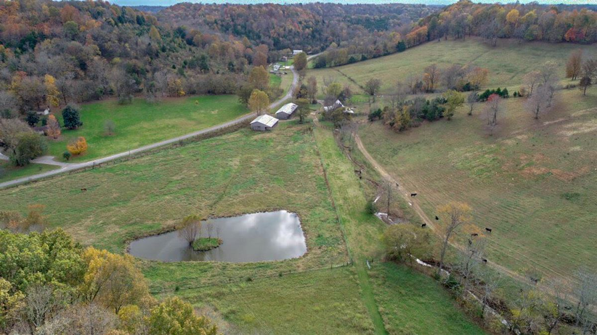 235 plus acre farm in picturesque setting mansions