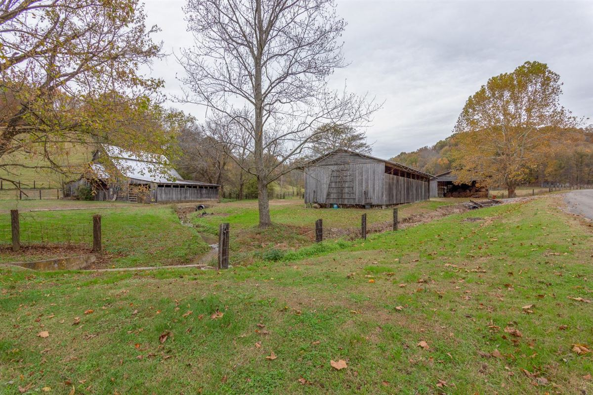 Mansions in 235 plus acre farm in picturesque setting