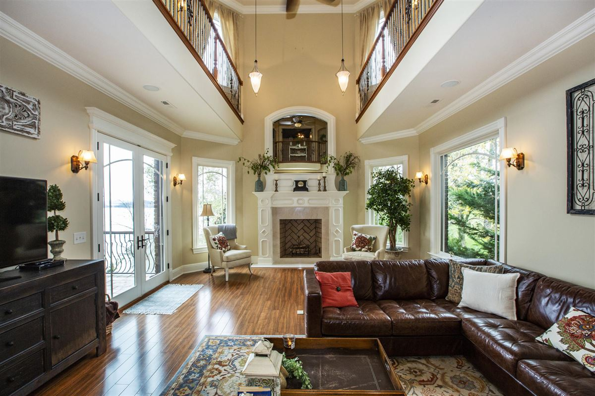 Luxury homes in Gorgeous lakefront and golf-front home