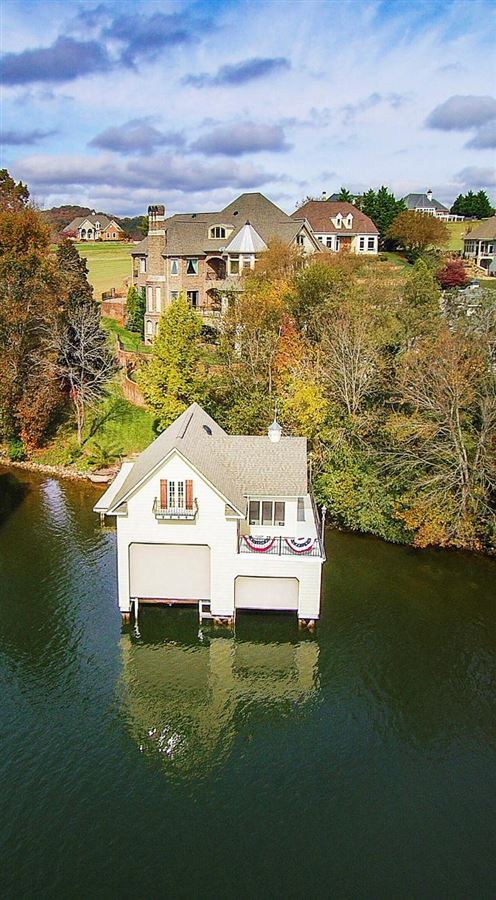 Luxury real estate Gorgeous lakefront and golf-front home