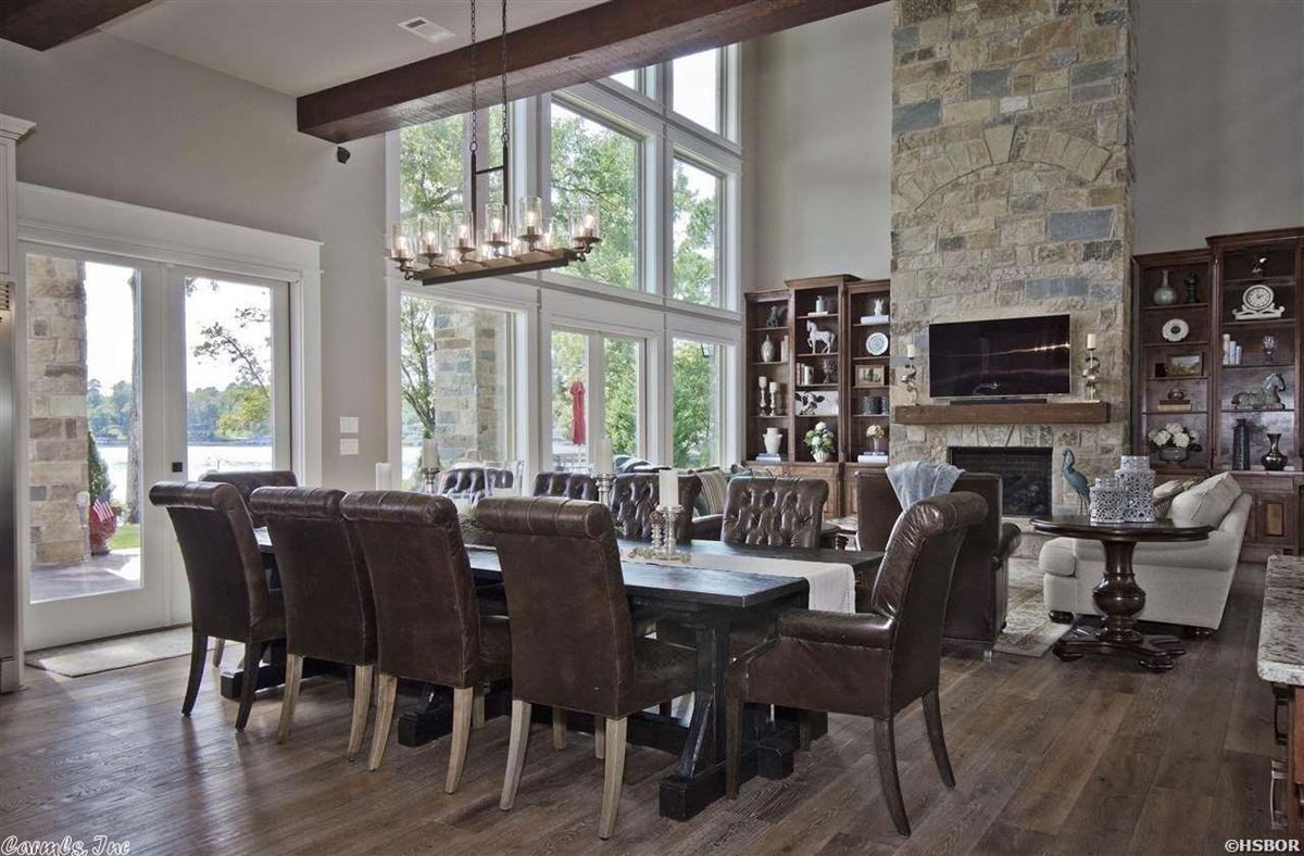 Breathtaking waterfront property on Lake Hamilton luxury properties