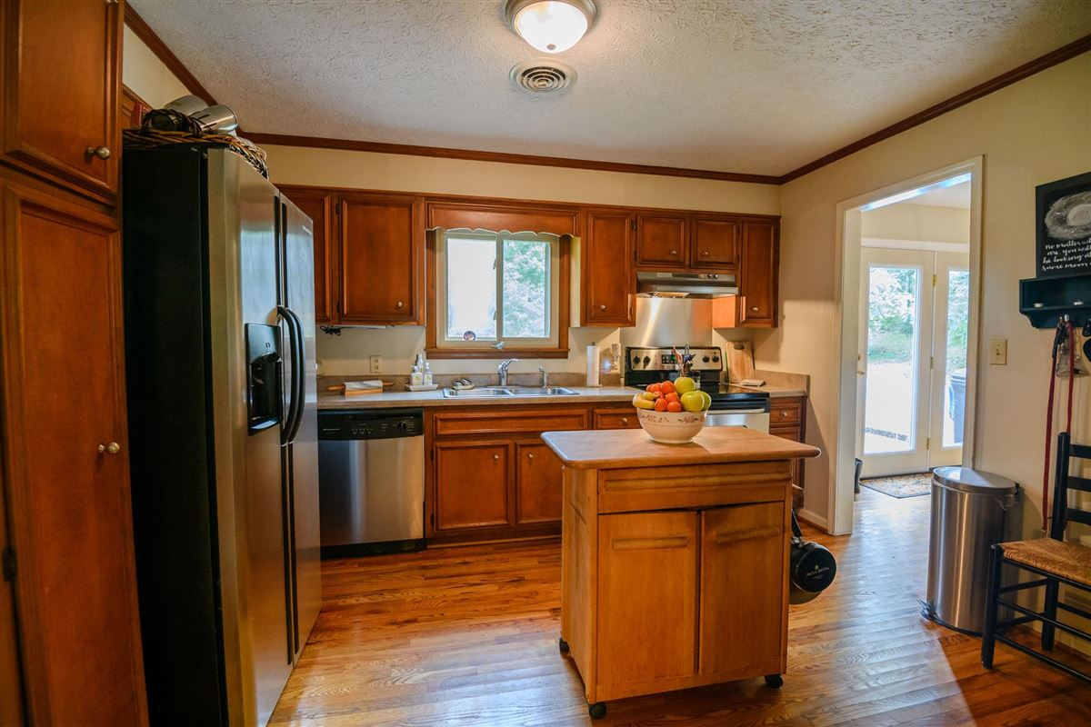 Clift Lane Estate in hartsville luxury homes
