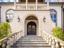 Mansions in large european-influenced luxury traditional