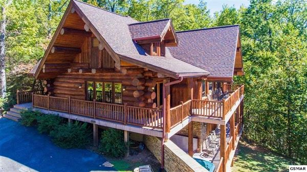 Luxury properties Gorgeous mountain views in gatlinburg
