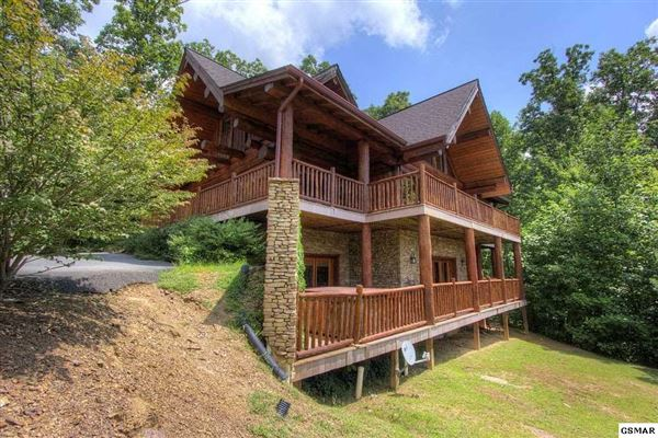 Gorgeous mountain views in gatlinburg luxury properties