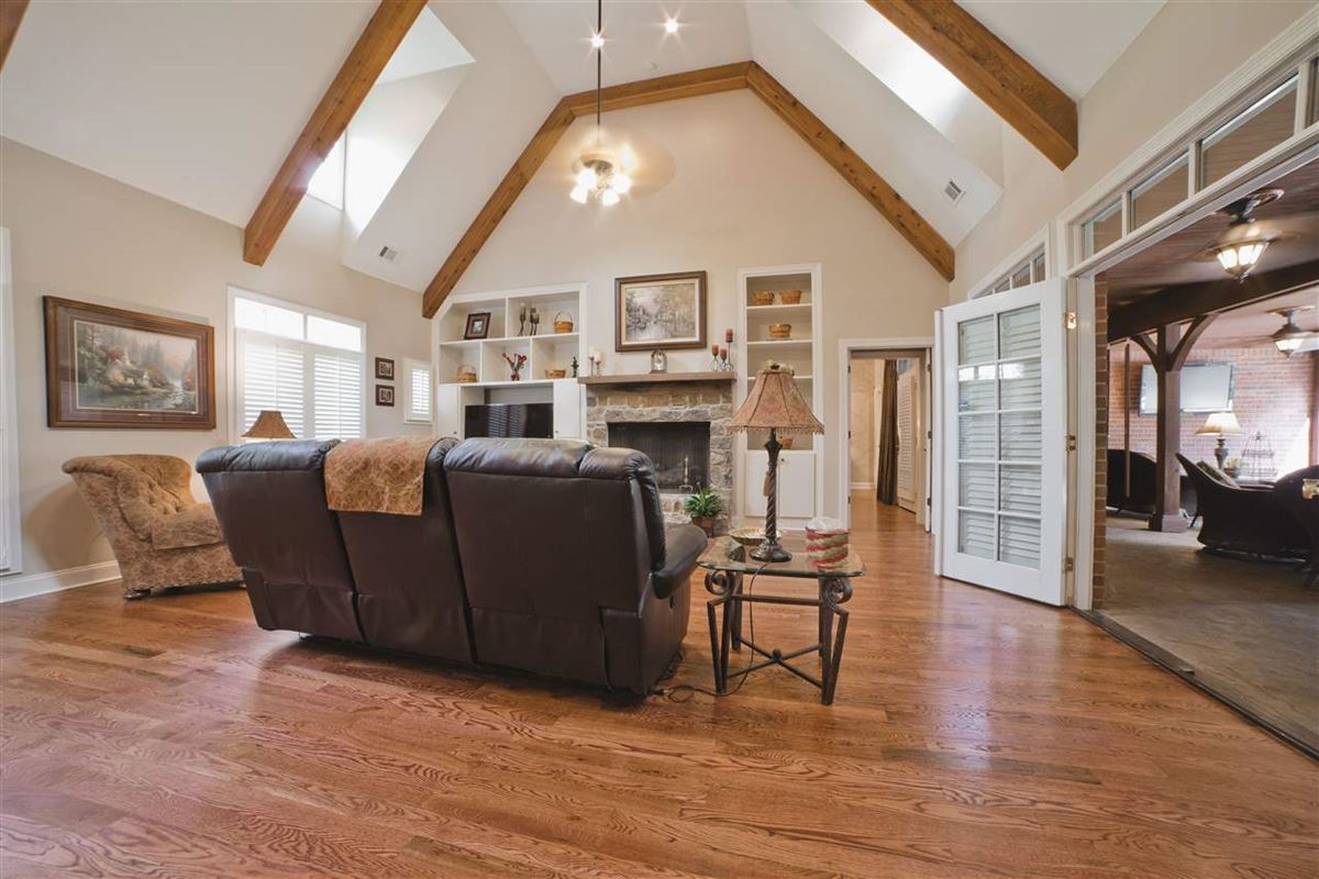 grand luxury property in piperton luxury real estate
