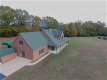 Mansions in one of a kind property surrounded by rolling acres