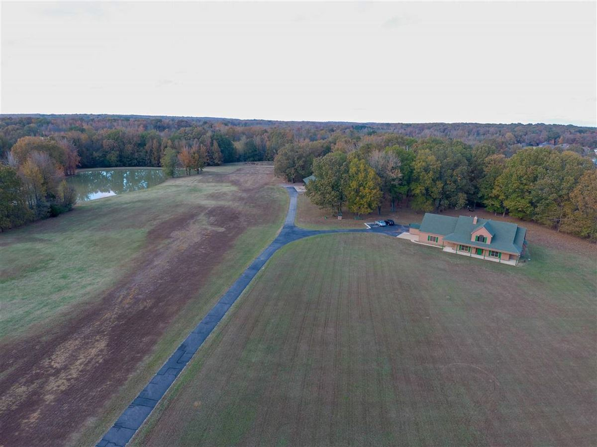 Luxury properties one of a kind property surrounded by rolling acres