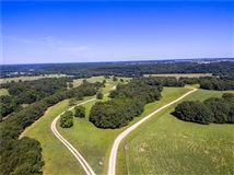 Luxury homes 425 acres of pristine beauty